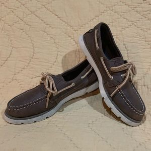 Sperry brown leather topsiders 1.5
